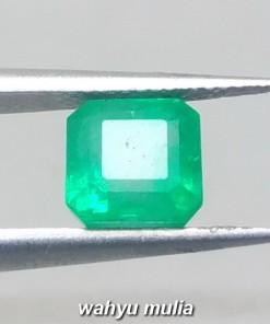 foto Batu Zamrud Colombia Hijau Emerald Kotak Asli ciri harga khasiat palsu natural memo sertifikat_5