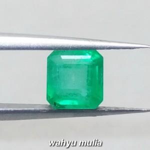 foto Batu Zamrud Colombia Hijau Emerald Kotak Asli ciri harga khasiat palsu natural memo sertifikat_7